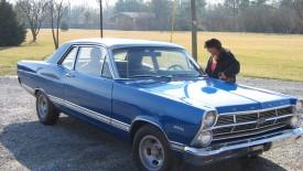 Blue Ford Cars Desktop