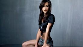 Maggie Pretty Brunette Woman Fashion Model Asians Desktop
