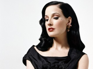 Dita Von Teese Tee Beautiful Lady Desktop
