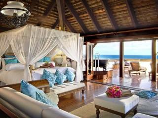 Hotel Luxurious Bedroom