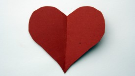 Simple Red Heart Paper Cut Desktop